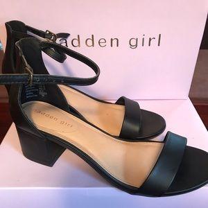 "Madden Girl ""Naomi"" Black Sandals 👡 Size 8"